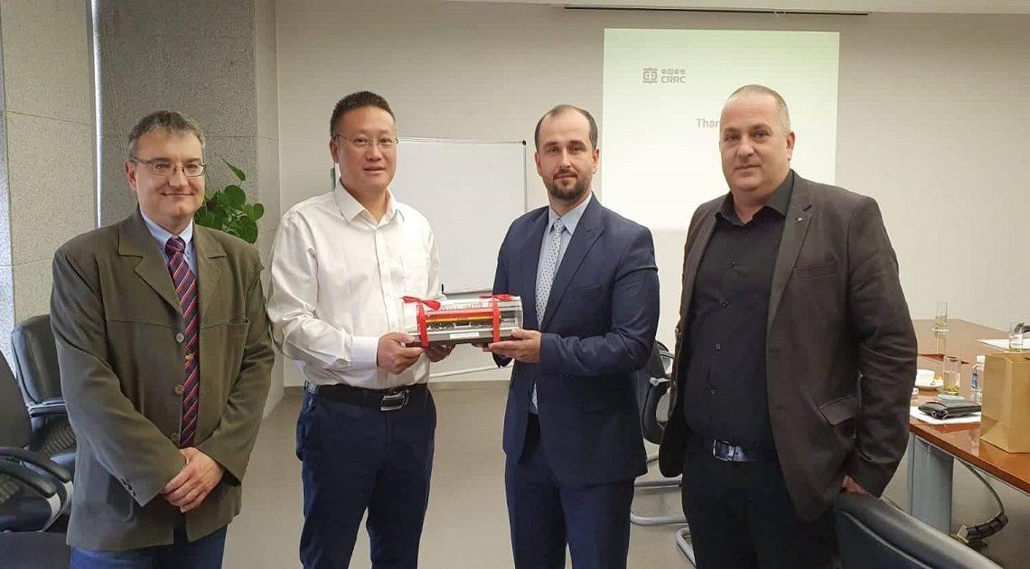 Drejtori i Përgjitshëm, Orhan Murtezani, takohet me përfaqësuesit e CRRC ZhuZhou Locomotives në R.P. të Kinës