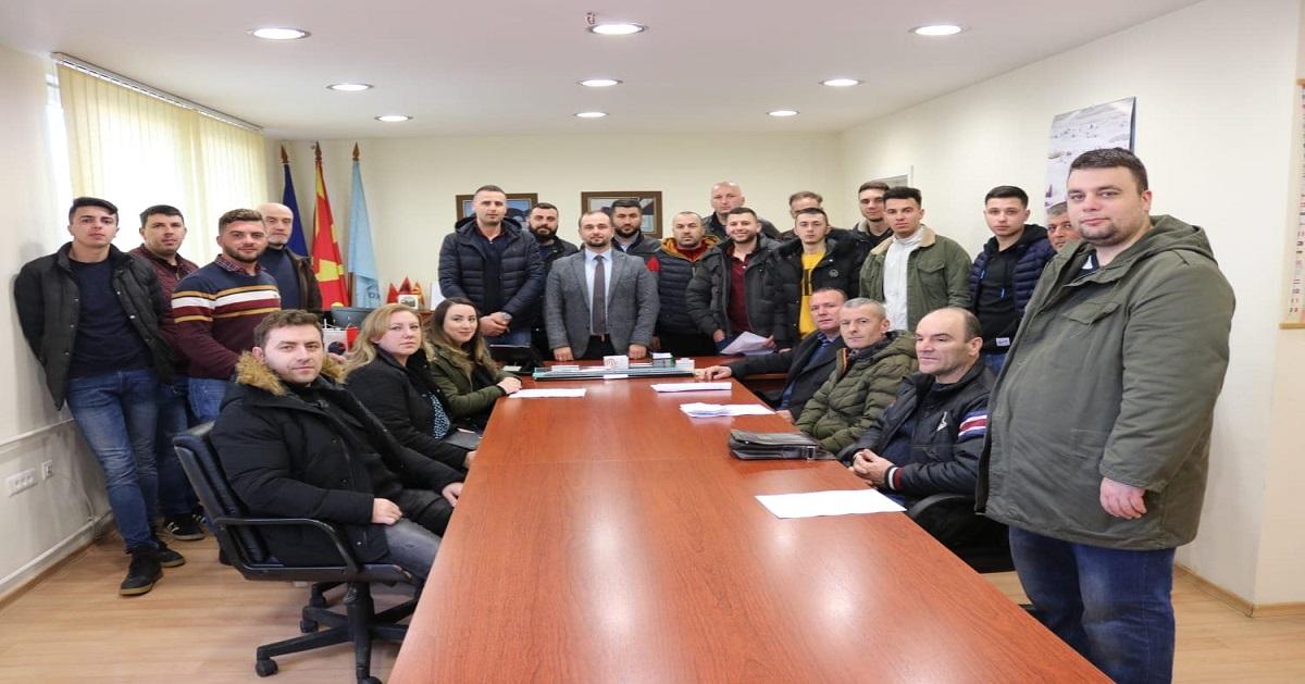 Генералниот директор Orhan Murtezani им посака добредојде на новите вработени